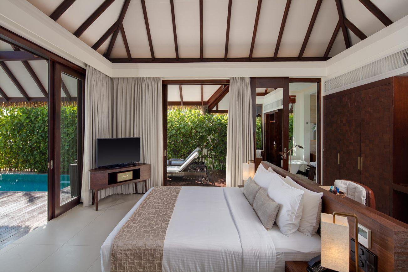 pool beach villa3