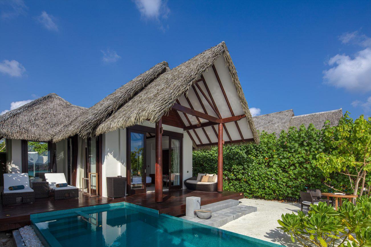 pool beach villa5